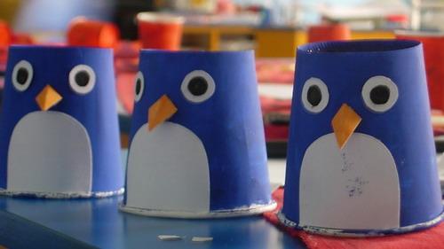 纸杯彩绘制作出来的各式各样的小动物; 是不是很可爱呀?