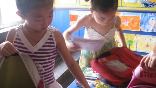 这次整理书包比赛,不仅培养了幼儿的自我服务能力,也为