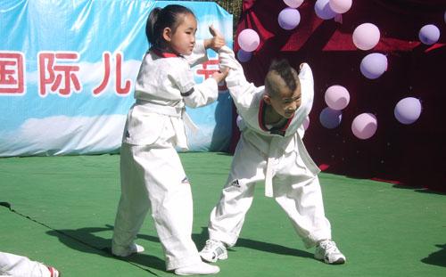 教学与训练是从事跆拳道练习过程中的两个基本阶段