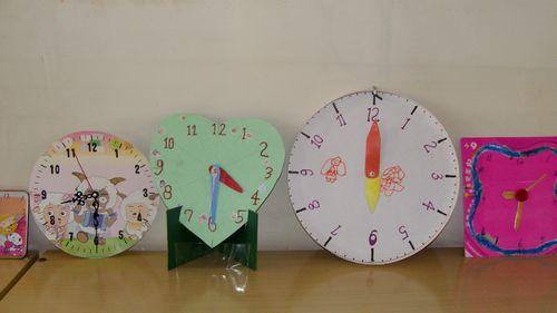 我们自己制作的时钟模型漂亮吗?
