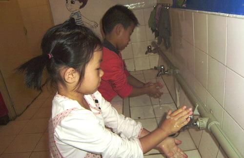 培养幼儿良好的卫生习惯.勤洗手