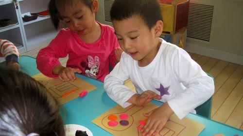 儿童橡皮泥手工制作图片大树
