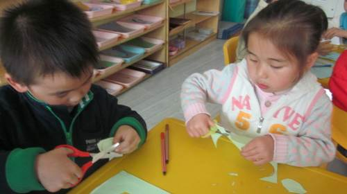 幼儿手工制作是对幼儿