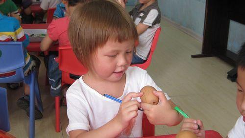 幼儿园鸡蛋壳画图片;
