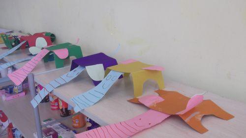 制作小饰品 - 未来强者婴幼儿智力开发园