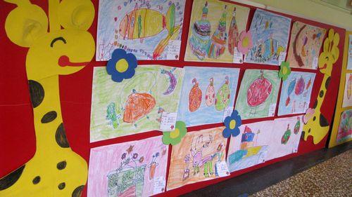 本学期美术中班教学活动,采用简单的蜡笔色彩画成为活动主题
