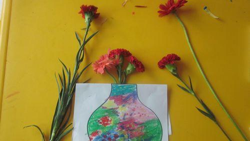 """我们学习了用""""手指点画""""的方法进行绘画制作"""