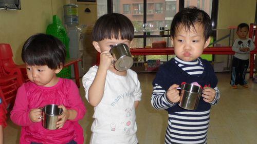 幼儿喝水习惯的培养(1)