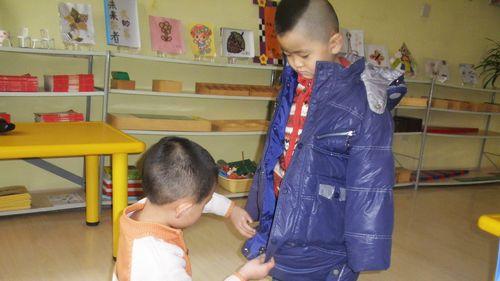 我会叠衣服 - 未来强者婴幼儿智力开发园
