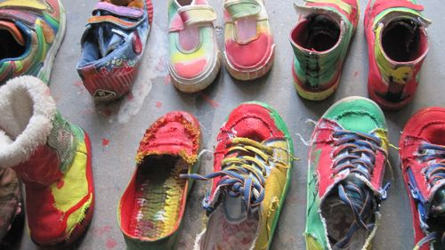 古代花盆底鞋手绘