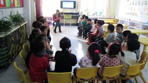 《蜗牛与黄鹂鸟》这人首歌相信大家都听过,今天我们和老师一起