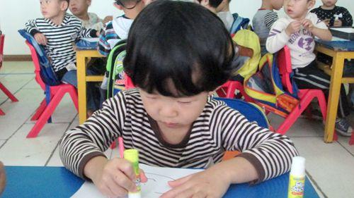 给孩子编头发的步骤及图片