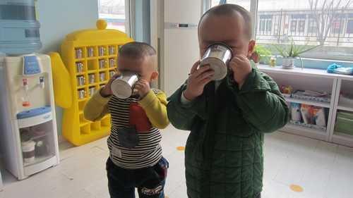 第一次用幼儿园的水杯喝水