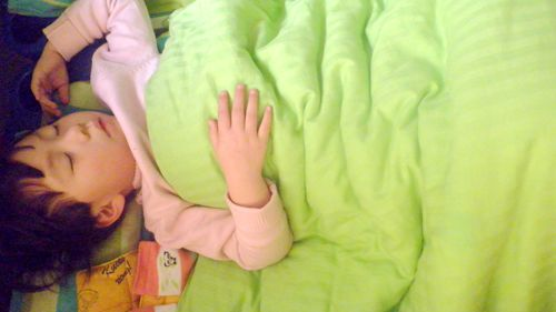 小宝宝,睡觉觉,小花被,要盖好,不趴不踢不乱动,睡眠足了精神好,一觉
