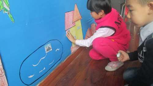 土壤里的小动物儿童画分享展示
