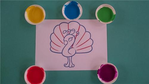 简单可爱漂亮孔雀绘画