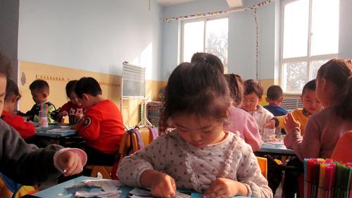 拼出我们的脸(红星园) - 未来强者婴幼儿智力开发园