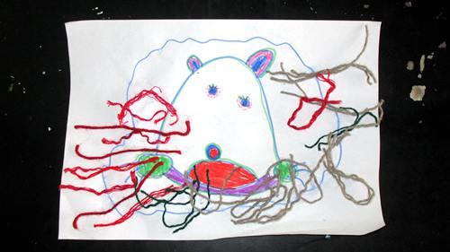 """尖上.""""我们用毛线做了粘贴画— 凶猛无比,小动物们都很害怕它,图片"""