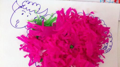 那么我们就用皱纹纸做粘贴画吧!     彩色小绵羊给大家拜年了!